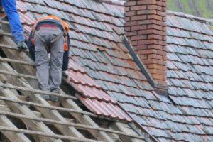 В Пензе умер рабочий, сорвавшись с крыши